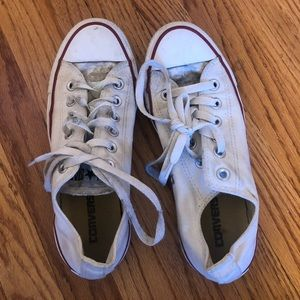 VERY USED WOMENS CONVERSE